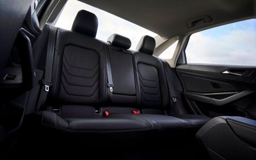 Салон нового седана Volkswagen Jetta