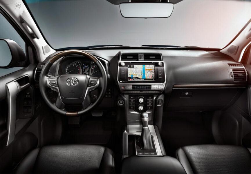 Интерьер Toyota Land Cruiser Prado