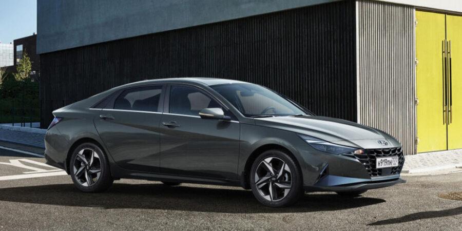 Салон новой Hyundai Elantra