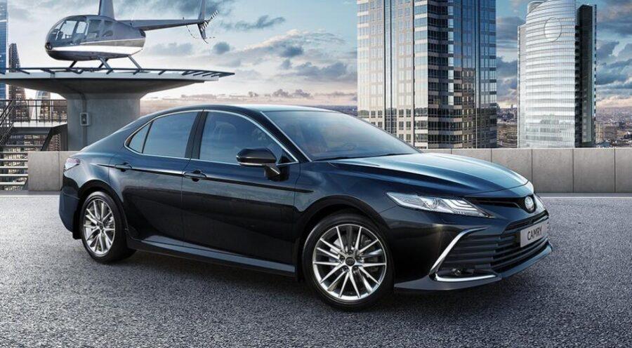 На российском рынке появилась обновленная Toyota Camry