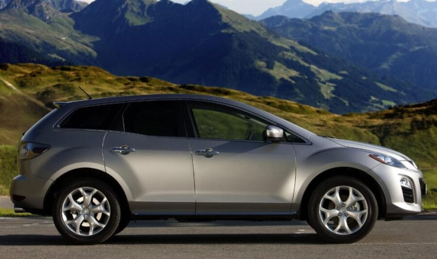 Mazda CX-7: вид сбоку