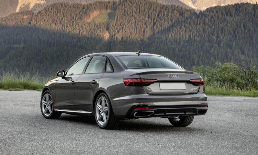 Audi A4: вид сзади