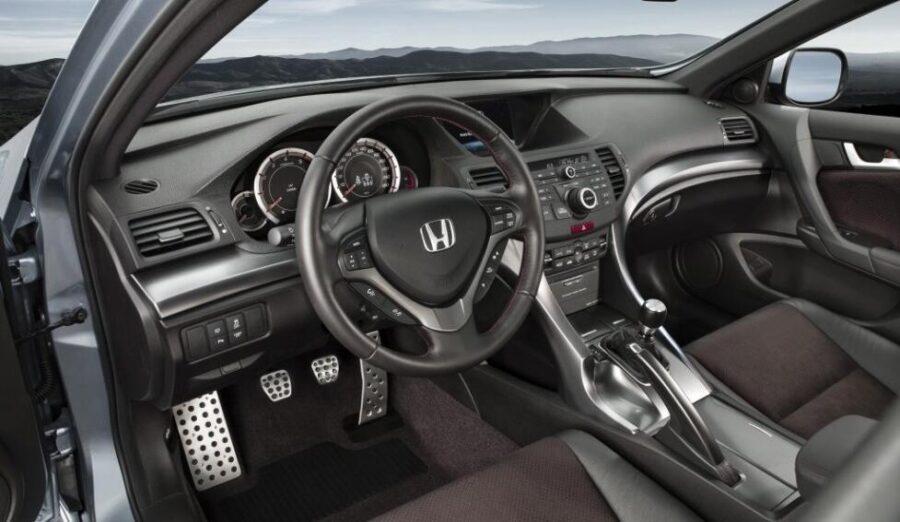 Интерьер Honda Accord