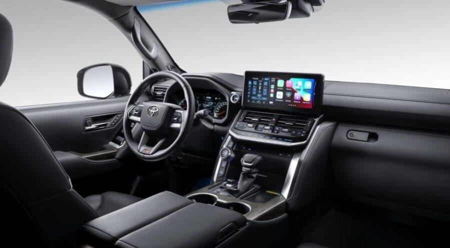 Интерьер Toyota Land Cruiser 300 GR Sport
